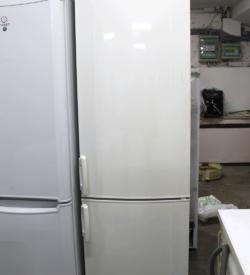 Холодильник Electrolux ENB 3850