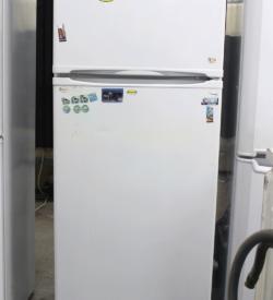 Холодильник с верхней морозильной камерой Indesit ST 145.028