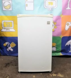 Маленький холодильник Daewoo FR742A